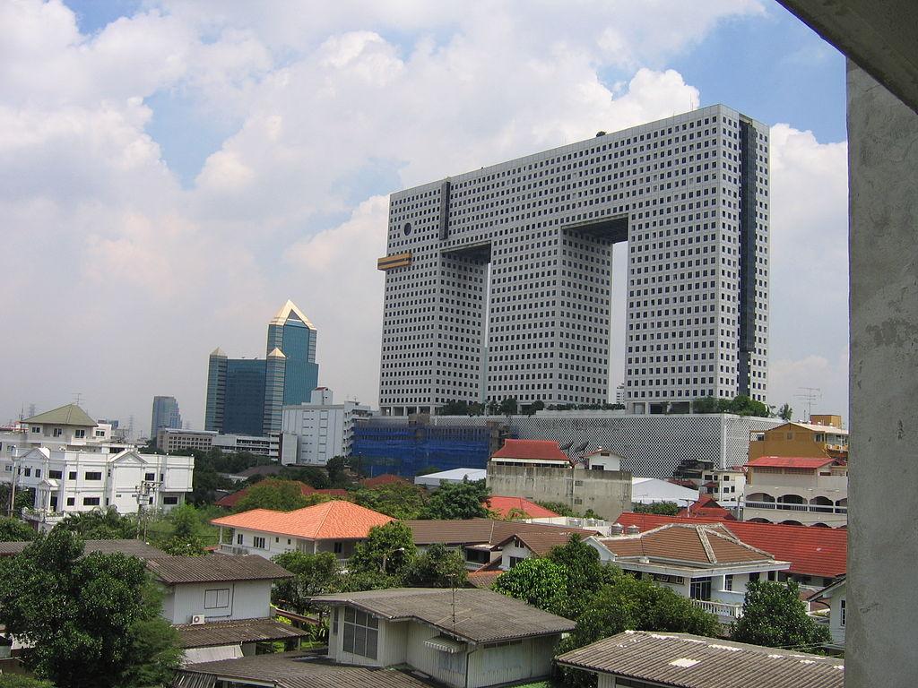 1024px-Elephant_tower