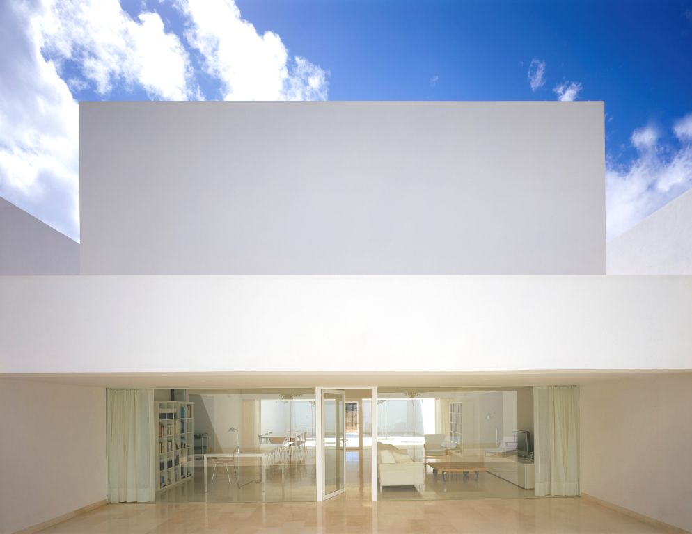 La casa che d luce all 39 ombra for Minimal housing