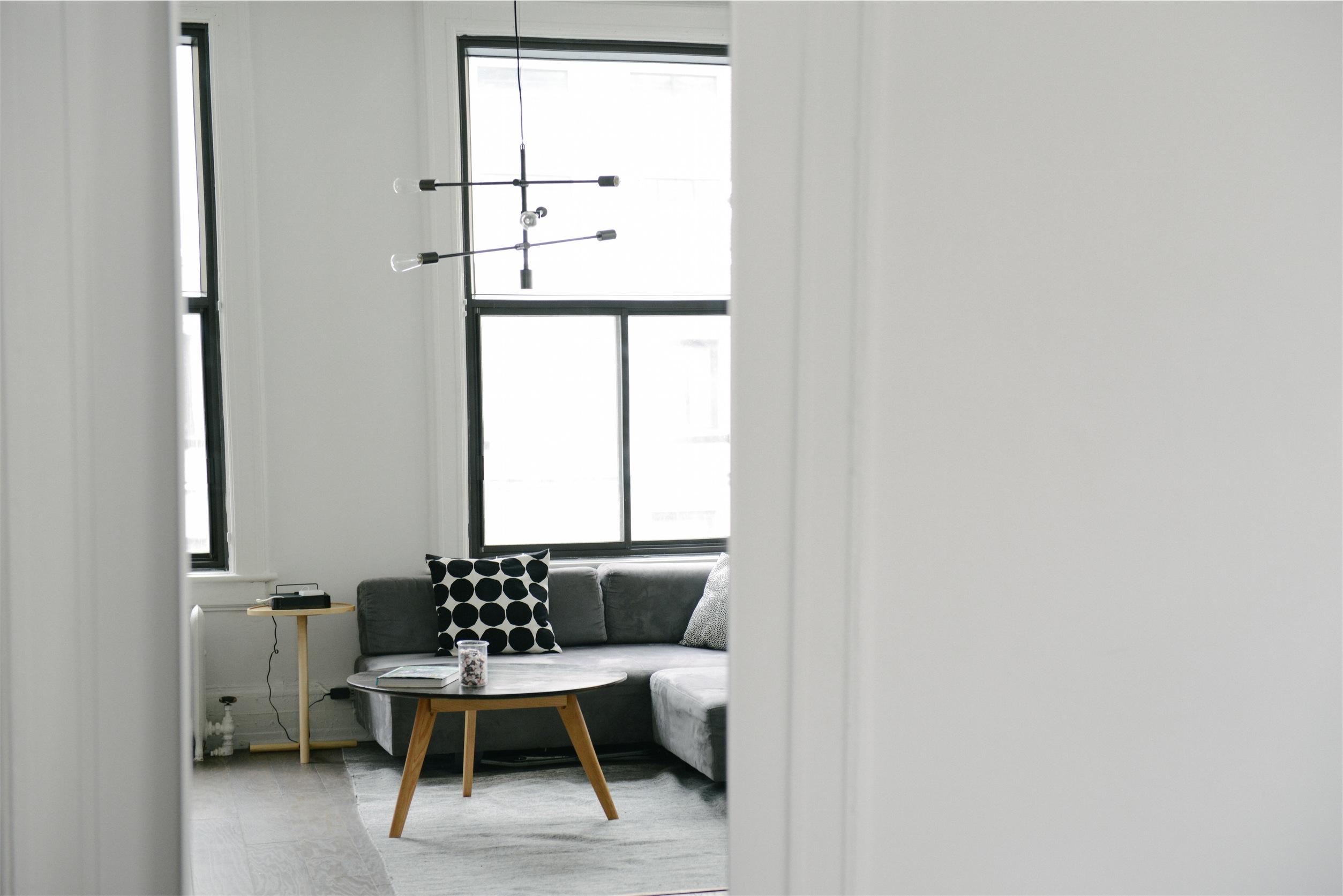 Come rendere pi grande e spazioso un piccolo appartamento for Piccoli spazi di luce