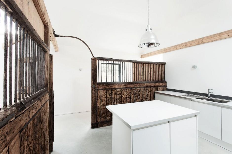 Una ex scuderia diventa un'elegante abitazione   casa.it