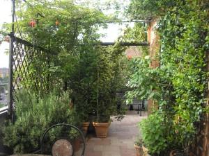 Terrazzi in fiore le foto delle vincitrici for Giardini sui terrazzi