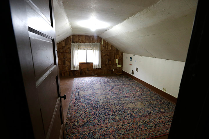 Kurt Cobain's attic bedroom apparently still has the original rug from when