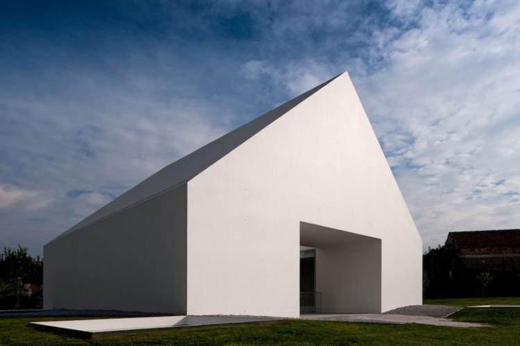La casa senza finestre - Si espongono alle finestre ...