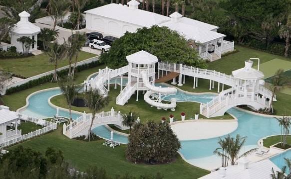 Le 5 case delle star pi costose del mercato for Piani del cortile con piscine