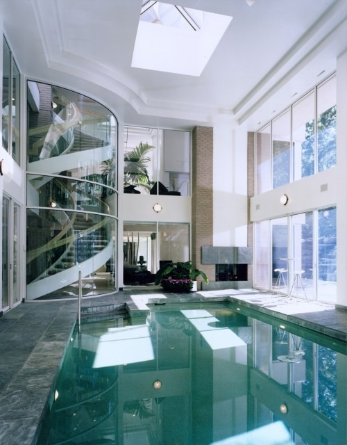 Gallery dieci straordinarie piscine coperte for Piccoli piani di casa con piscina coperta