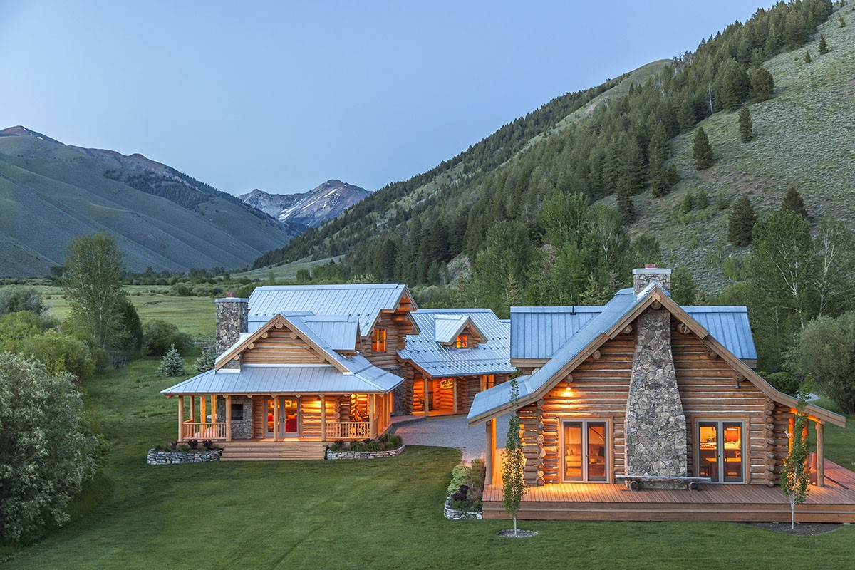 Lo splendido ranch tra le montagne dell 39 idaho di steve for Montana ranch house