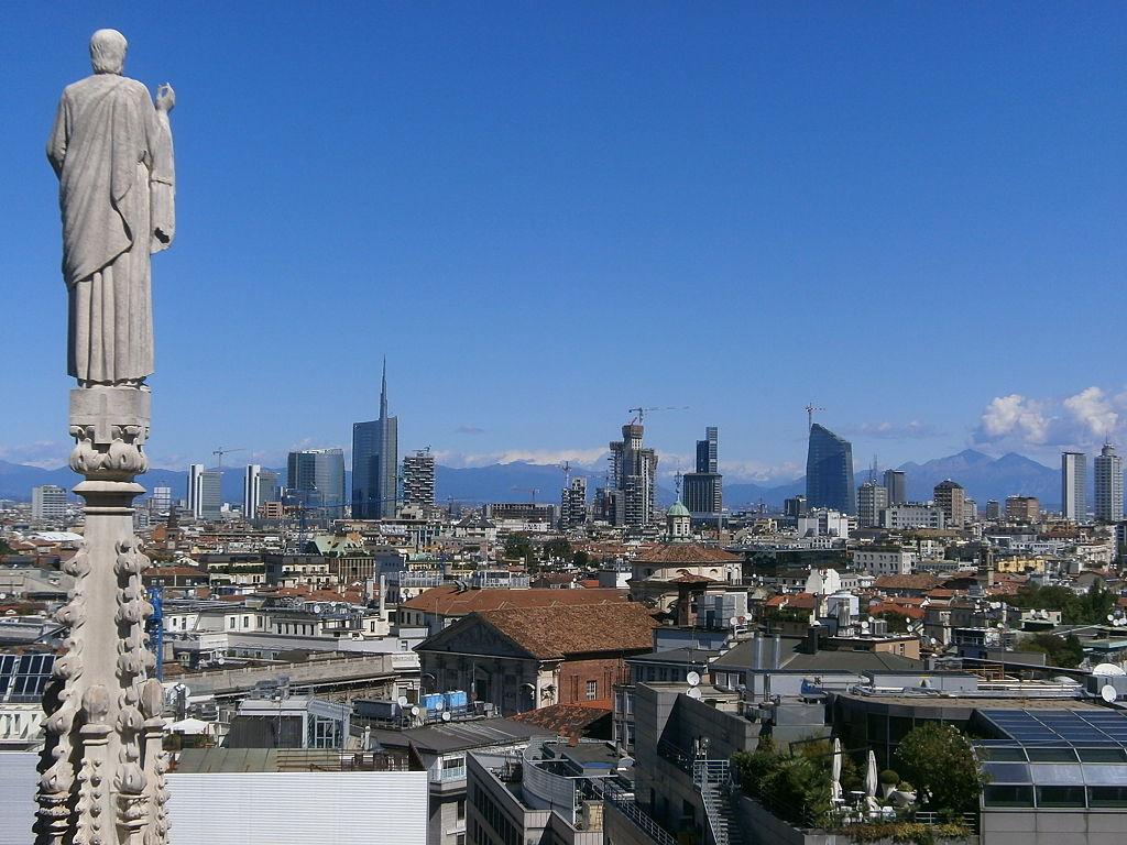 1024px-Skyline_Milano_-_05