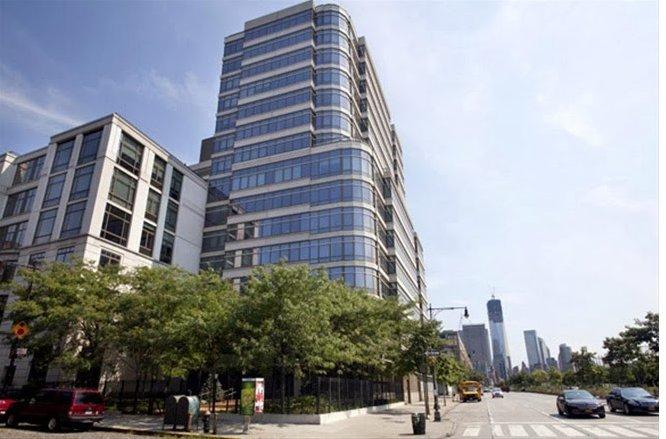 Oliver stone vende casa a new york for Comprare casa a new york manhattan