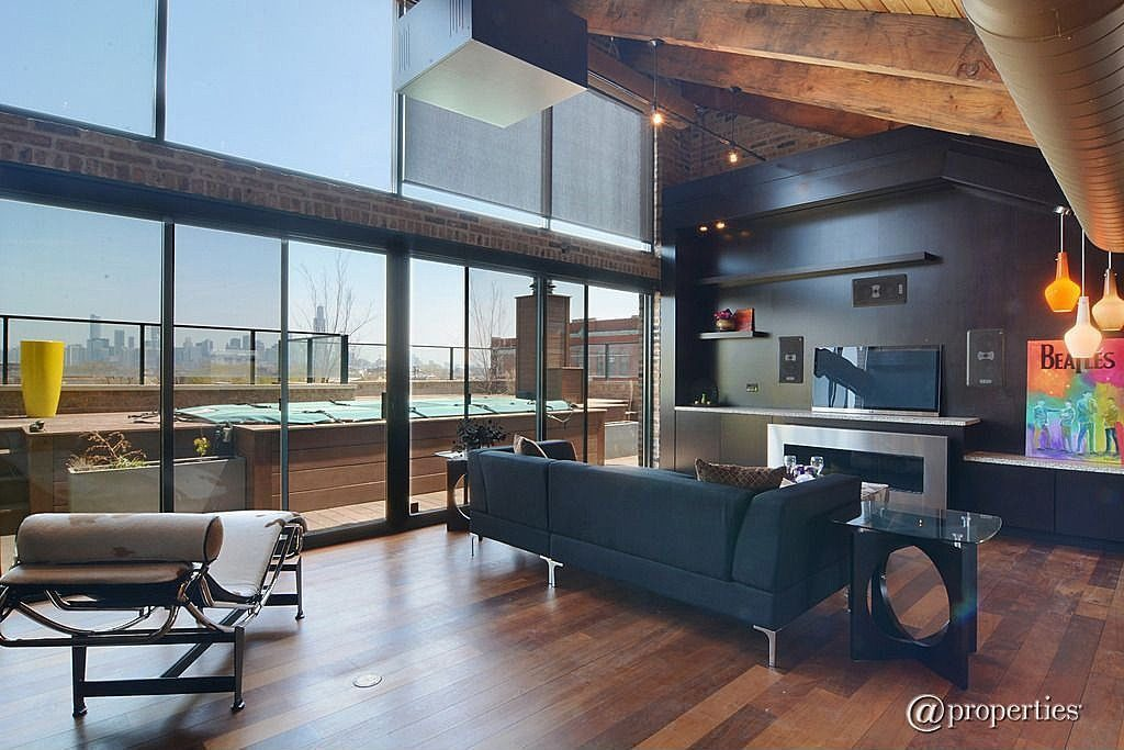 Il fondatore di groupon vende il mega attico di chicago for Piani di casa con cucina esterna e piscina