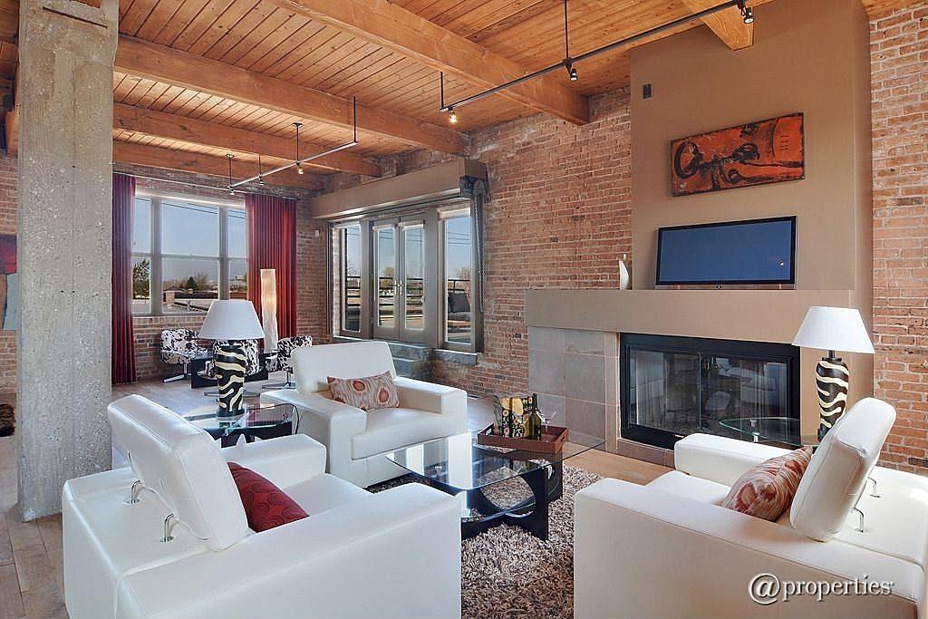 Il fondatore di groupon vende il mega attico di chicago for Piani di casa con 5 camere da letto con stanza bonus
