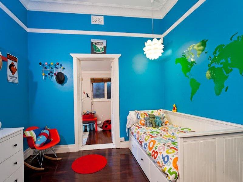 Tante idee per la cameretta dei vostri bambini for Colori pareti camerette ragazzi