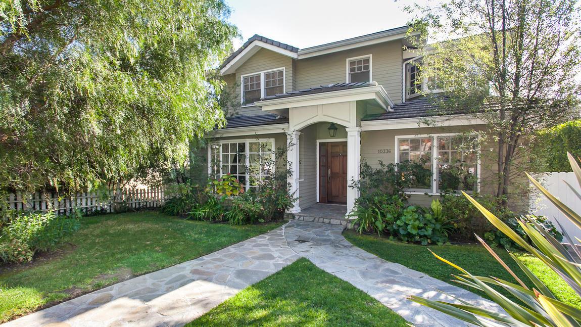 Venduta la villa set della serie tv modern family for Piccole case in stile ranch