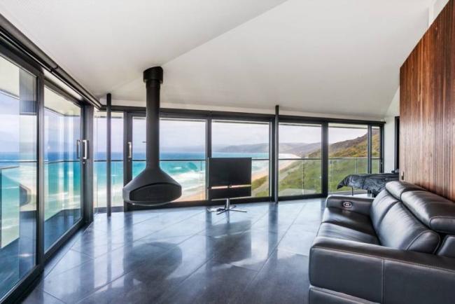 Una casa sospesa tra mare e cielo for Casa di vetro moderna in vendita