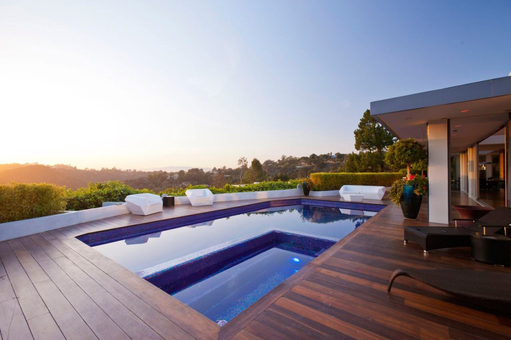 cover_Jendretzki-Beverly-Hills-House-3
