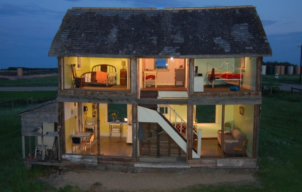 La casa delle bambole a misura d 39 uomo for Case ristrutturate interni