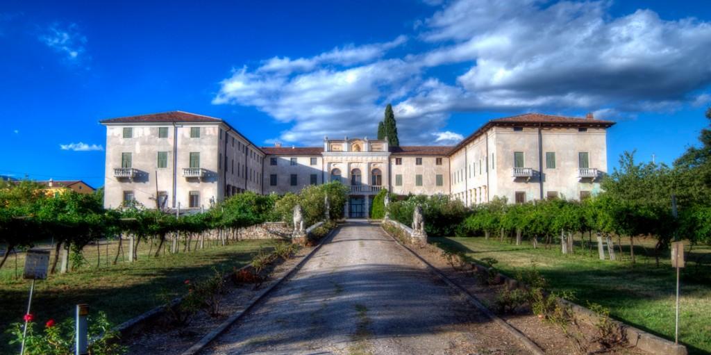 Villa_costanza