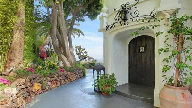 In vendita la villa di ginger rogers for Numeri di casa in stile spagnolo