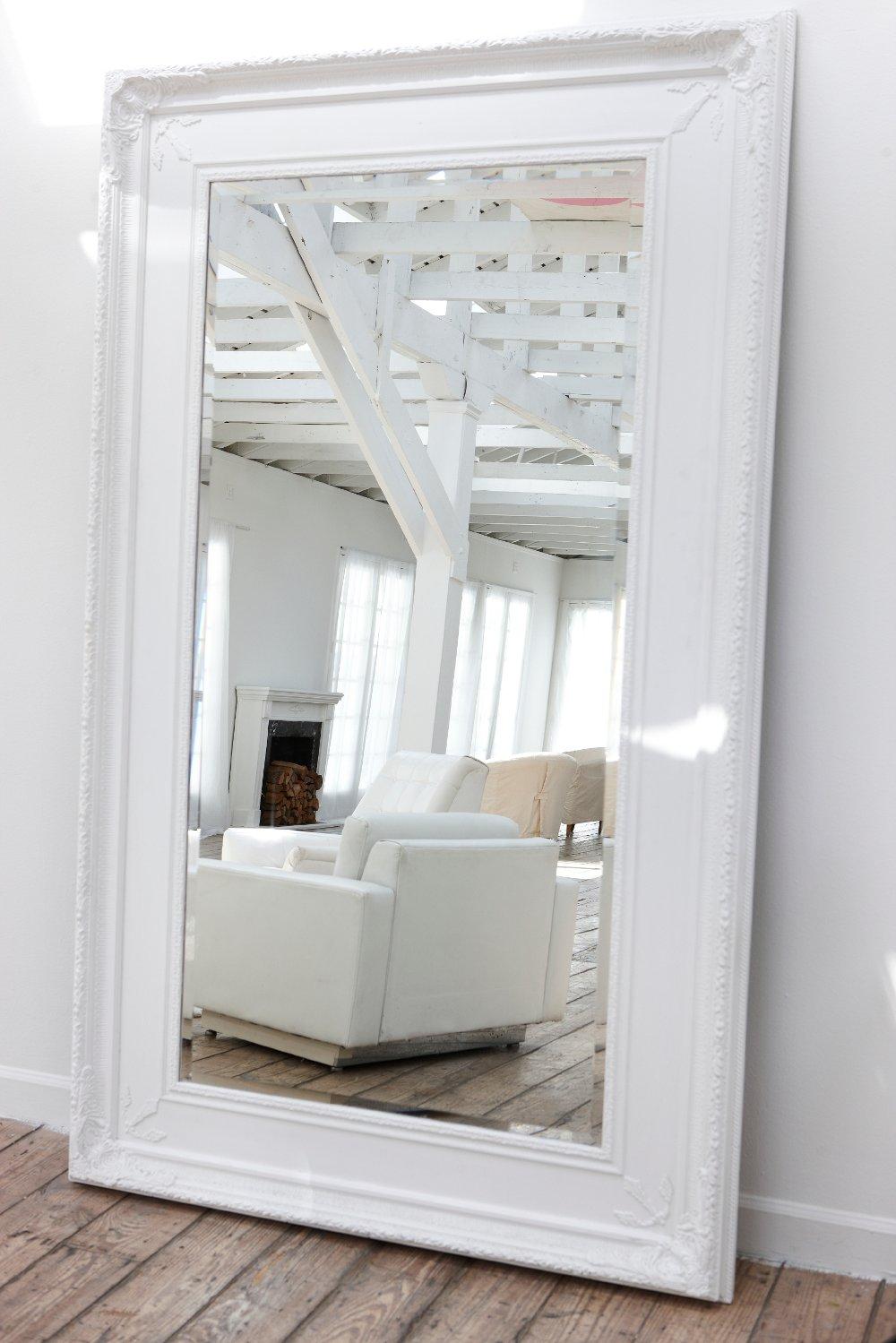 Organizzare piccoli spazi in casa il trucco dello specchio - Specchi grandi da parete ikea ...