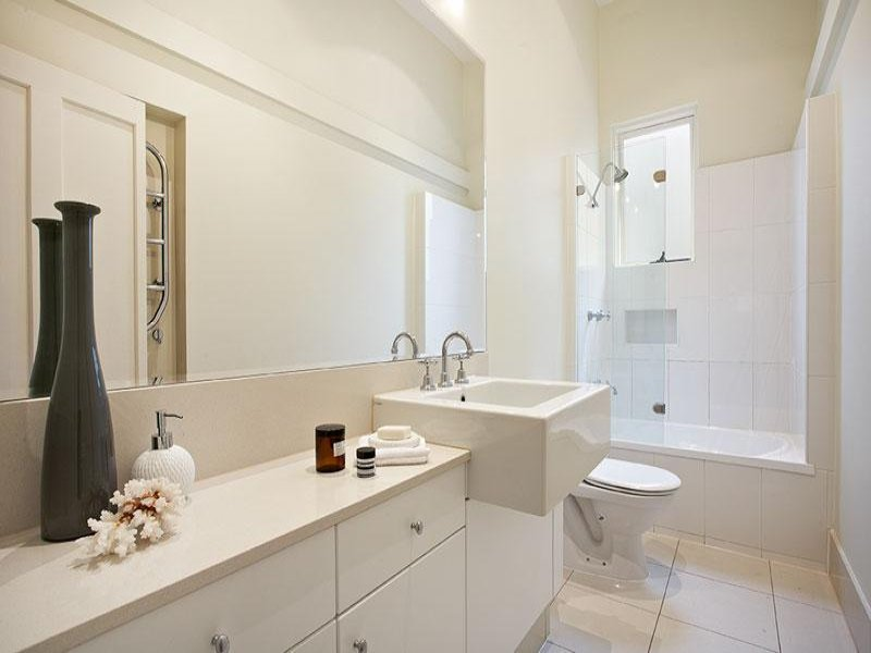 soluzioni e consigli per arredare un bagno piccolo