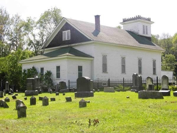 casa_chiesa_cimitero