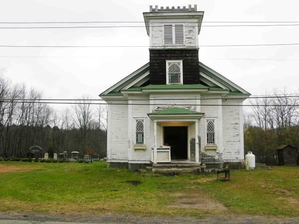 casa_chiesa_cimitero2