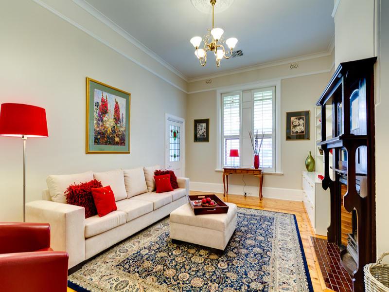 Come scegliere il tappeto giusto for Tappeti soggiorno moderni
