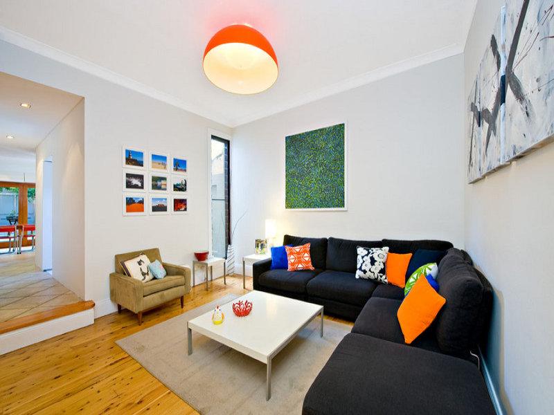 Come scegliere il divano giusto for Divano rosso abbinamenti