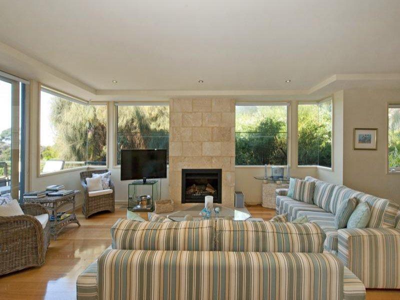Come scegliere il divano giusto - Prodotti per pulire il divano in tessuto ...