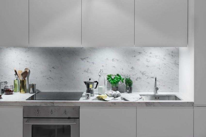Arredare 40 mq un accogliente appartamento svedese - Resina in cucina al posto delle piastrelle ...
