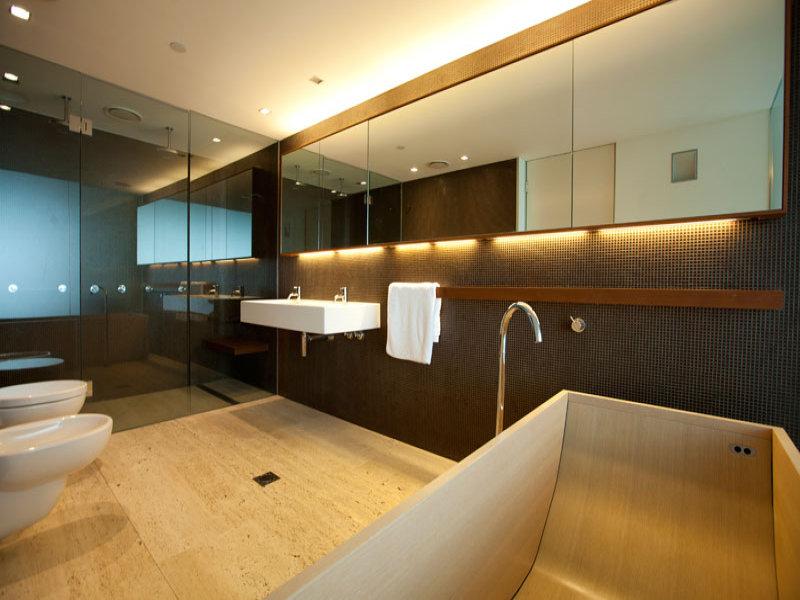 Come scegliere le piastrelle for Grandi bagni padronali