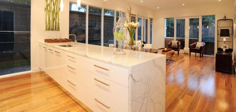 Il marmo in cucina for Piani casa dei caraibi