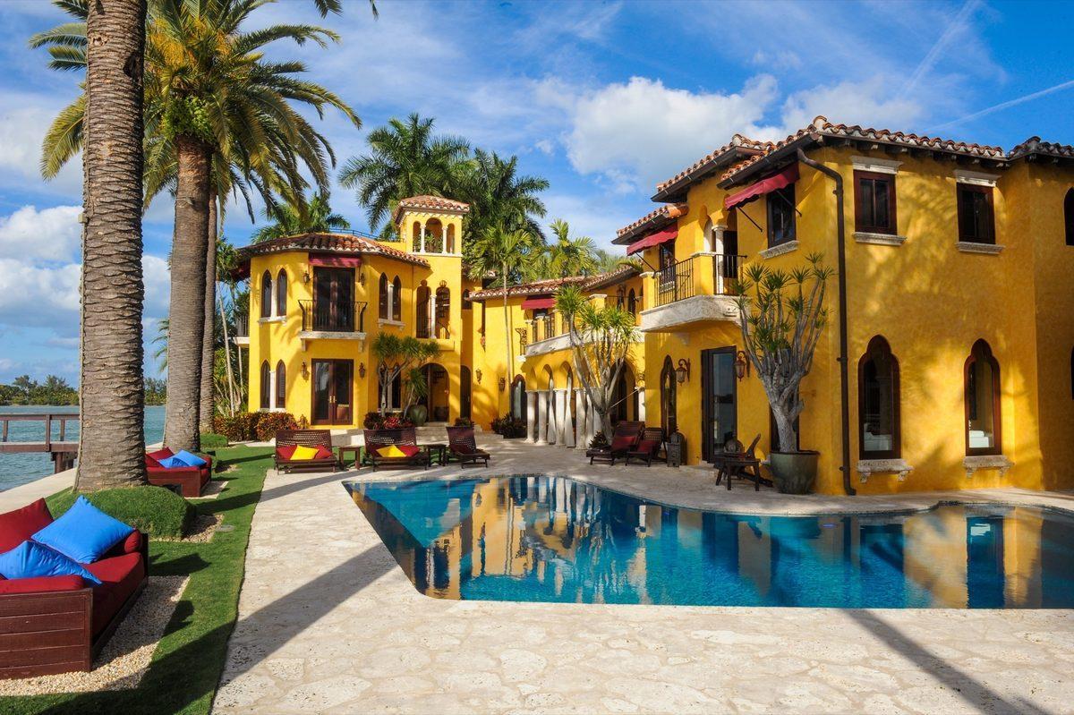 Miami in vendita la villa di enrique iglesias - La valigia sul letto iglesias ...