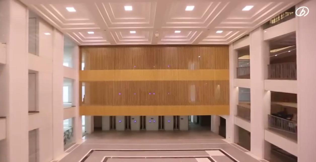 Un grattacielo di 57 piani costruito in 19 giorni for Piani di casa di architettura
