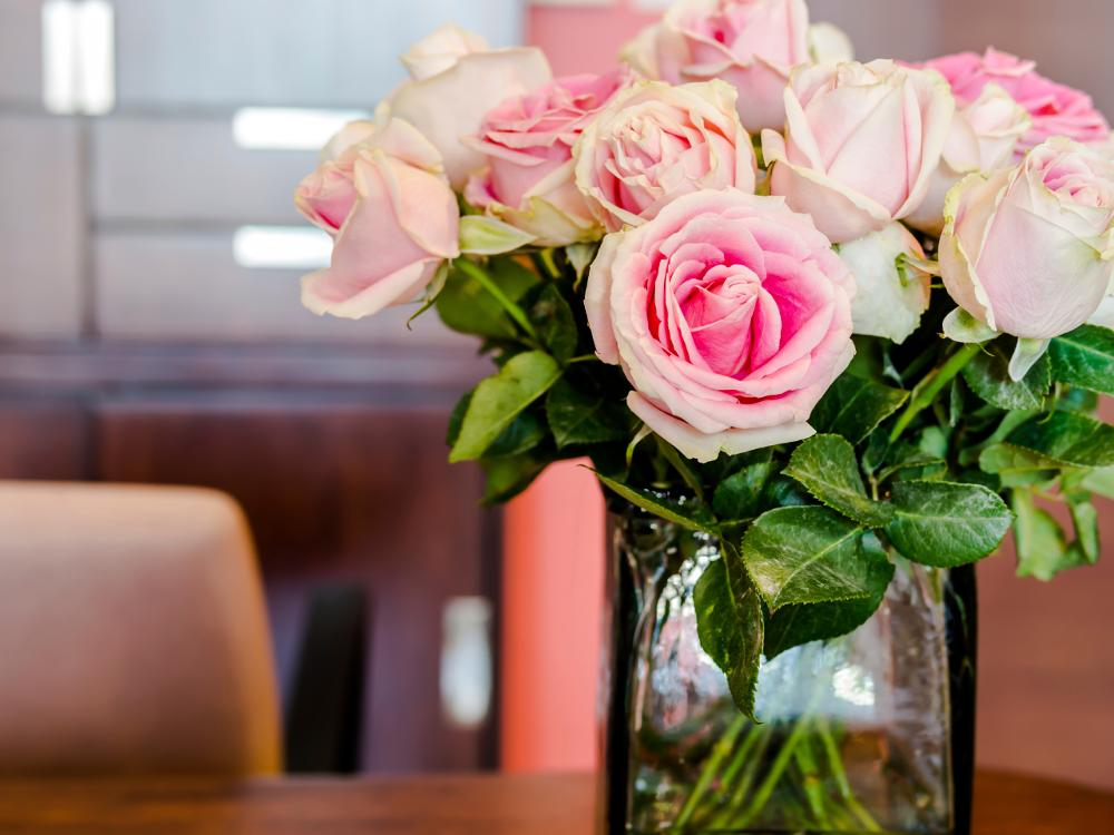 I fiori arredano e parlano decorare la casa con i fiori for Decorare casa