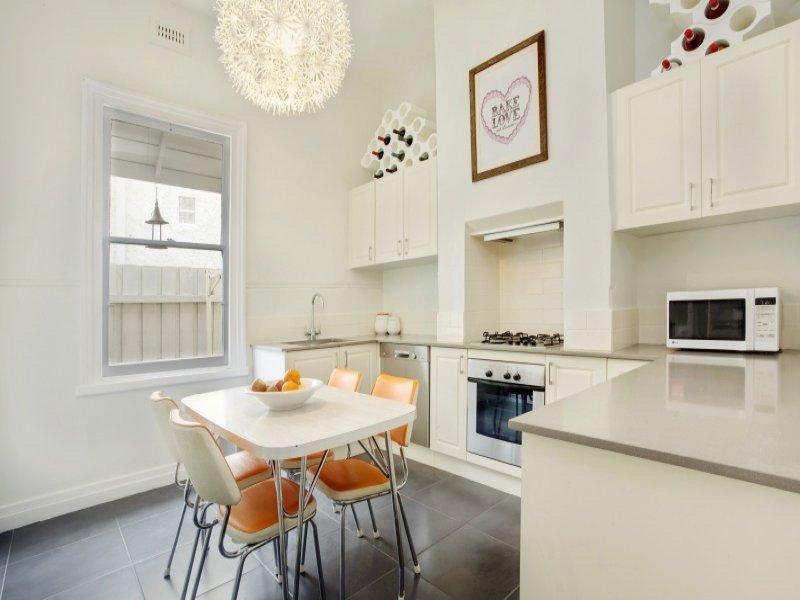 Casabook immobiliare camera per camera la cucina in stile retr - Cucina tutta bianca ...