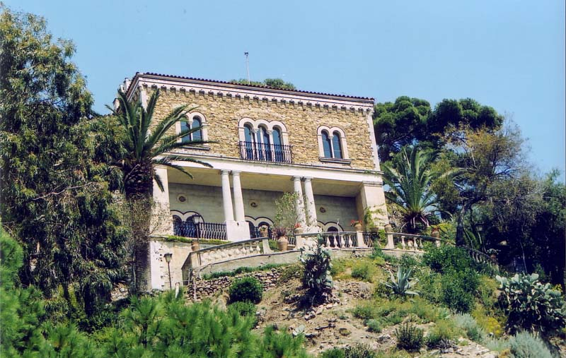 villa falconara