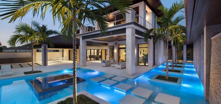 In piscina sul balcone di casa for Appartamenti da sogno interni