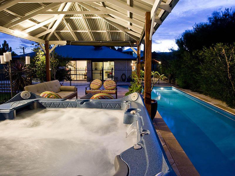 Case con piscina una gallery per sognare - Piscine da comprare ...