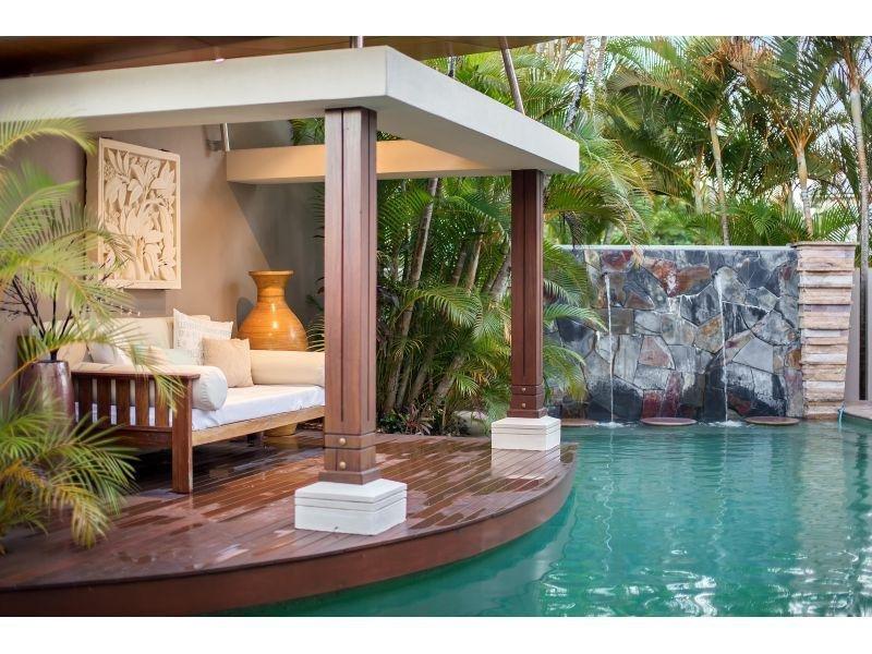 Piscine da sogno - Casa con piscina interna affitto ...
