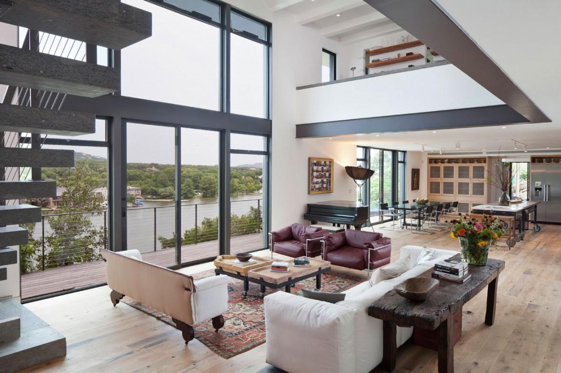Una casa al lago tra moderna eleganza e un sapiente for Abitazioni moderne