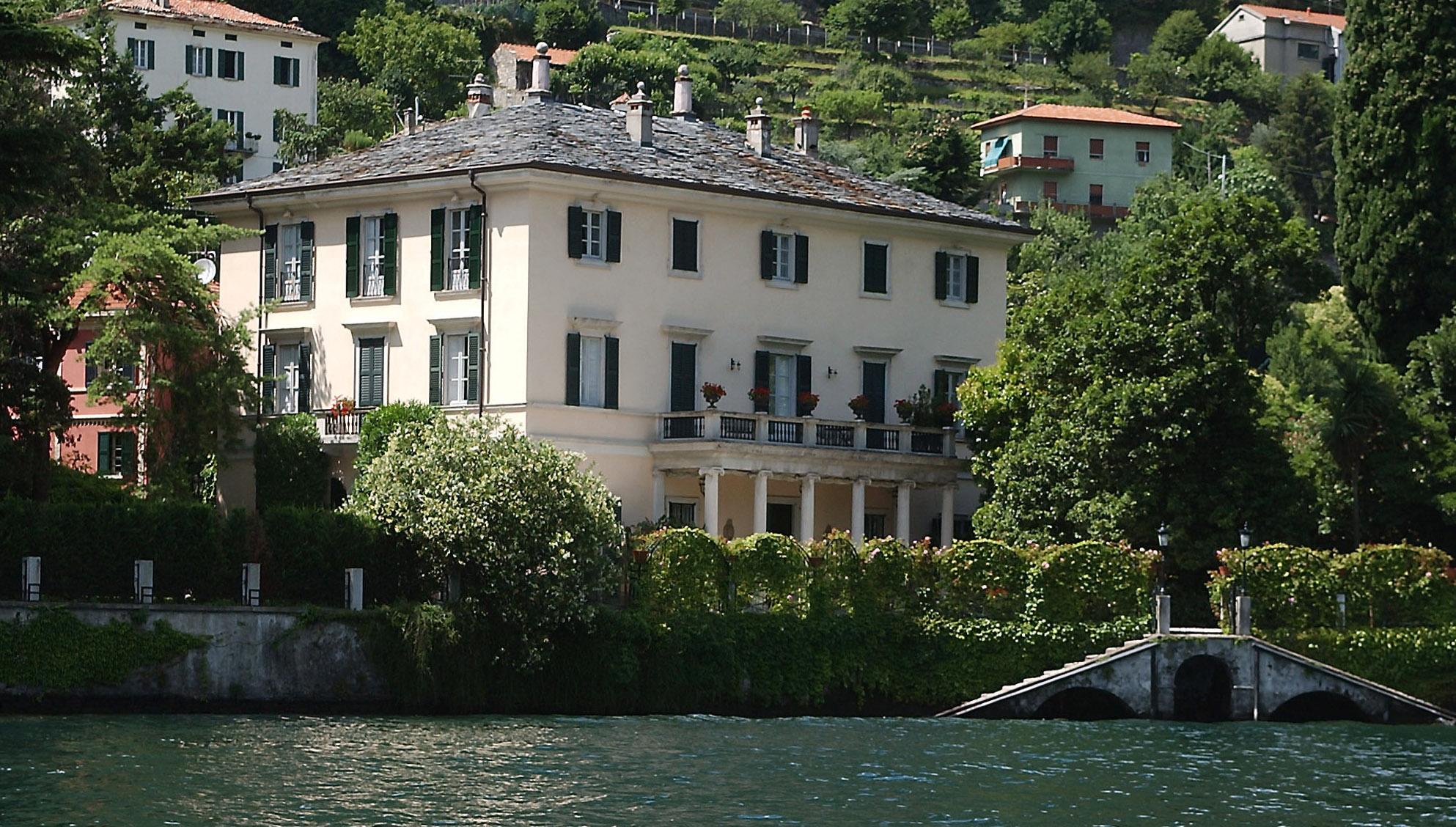 Laglio 100 milioni per la villa di george clooney for Casa la villa