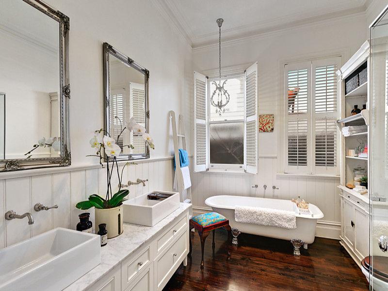 Bagno classico lo stile anche in bagno - Bagno in muratura moderno ...