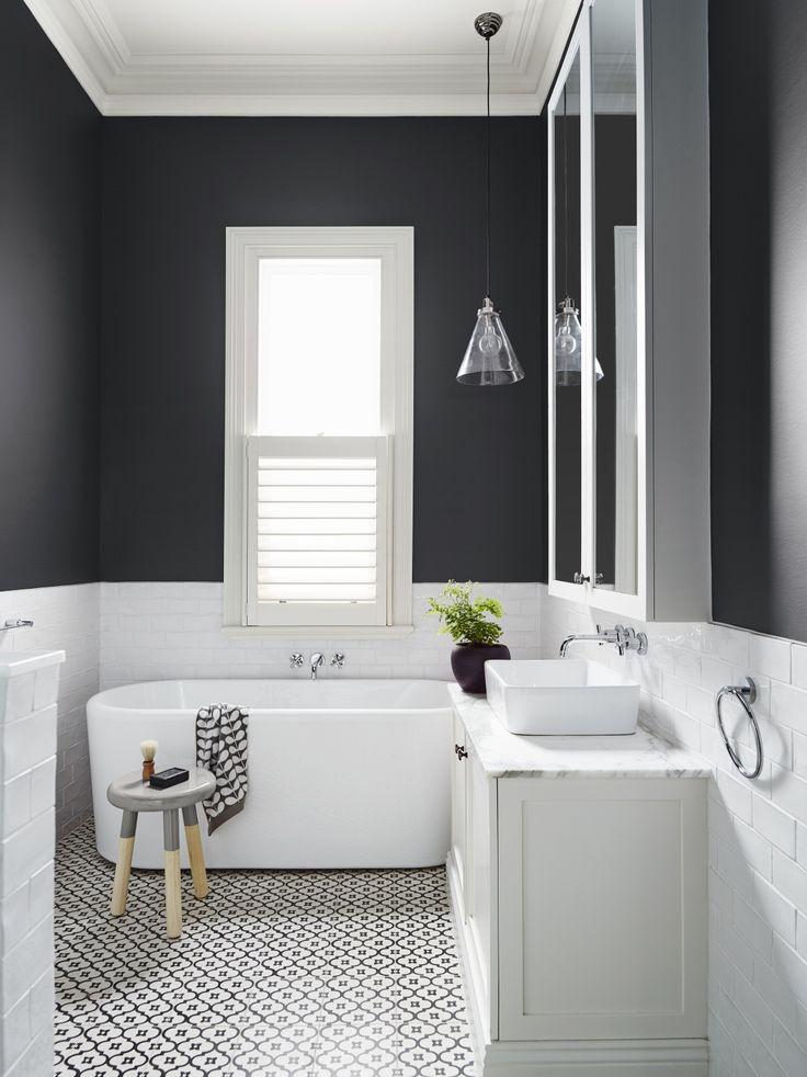 pareti scure in bagno