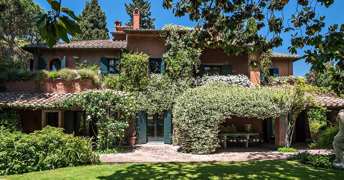 Roma in vendita la villa del produttore cinematografico for Vendita case a roma da privati