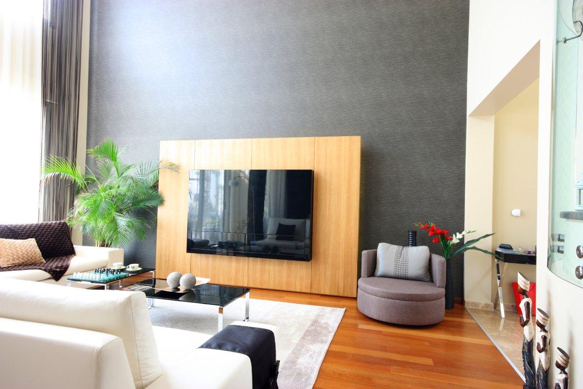 5 stili per arredare un angolo tv for Programma per arredare una stanza