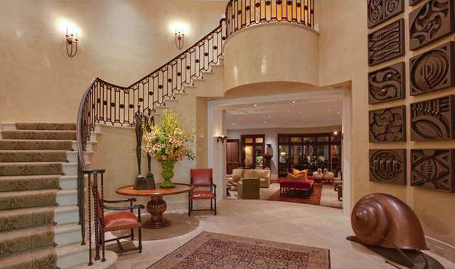 Un nuovo nido d 39 amore da 33 milioni per elton john e for Piani di casa con soggiorno formale e sale da pranzo