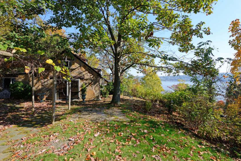 FOR REAL ESTATE -- Gimme Shelter -- 55 Woods Road -- http://www.sothebysrealty.com/eng/sales/detail/180-l-971-wvcynw/-house-in-the-woods-sale-pending-snedens-landing-palisades-ny-10964   CREDIT: Robert Socha Photography