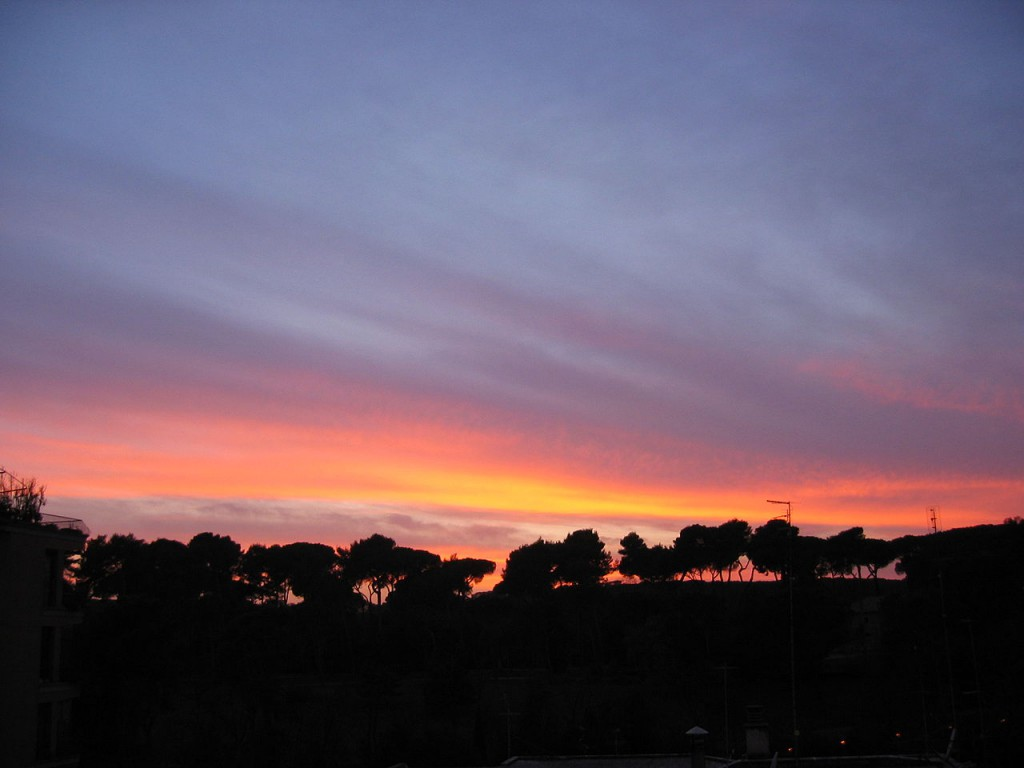 1280px-Sunset_in_Rome_(Villa_Ada)_-_02