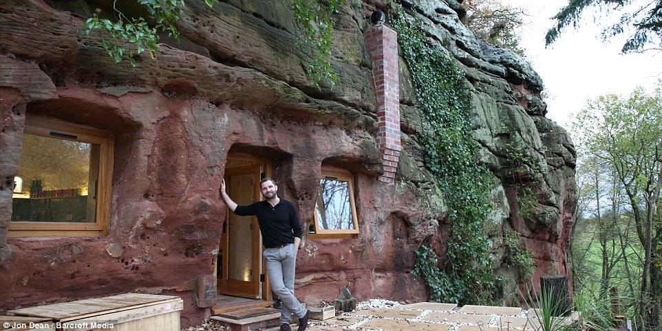 La straordinaria trasformazione di una grotta for Piani di casa di roccia