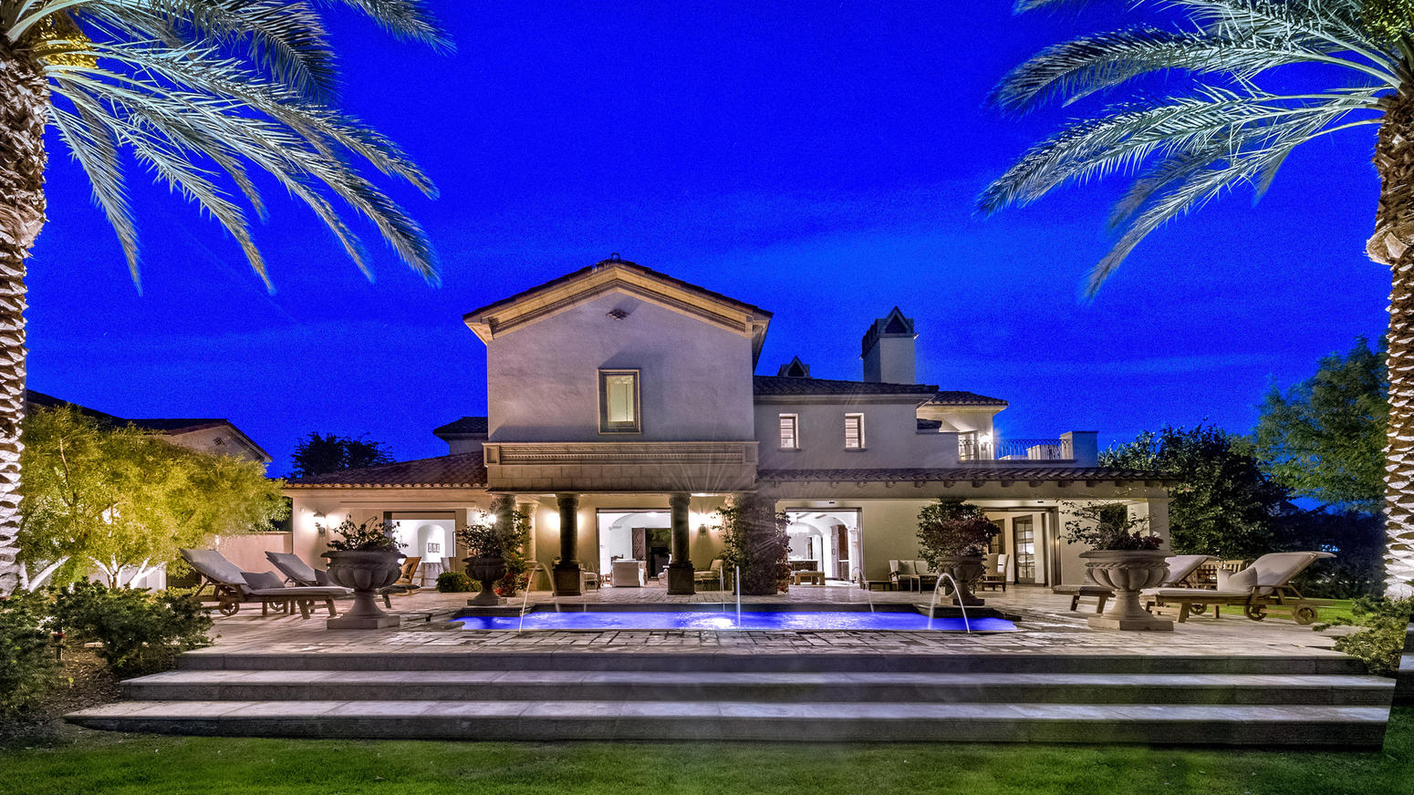 Sylvester stallone vende la sua villa californiana for Casa la villa